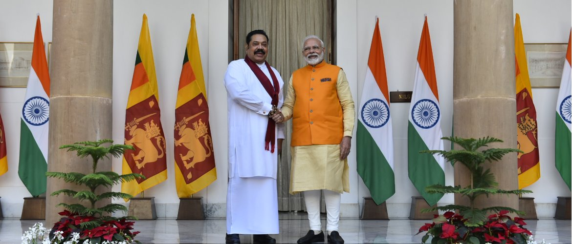 Prime Minister Shri Narendra Modi held bilateral talk with Sri Lanka Prime Minister Honorable Mahinda Rajapaksa 